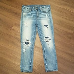 American Eagle distressed high rise cropped jeans